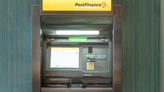 Bienne: volée alors qu'elle retirait de l'argent à un bancomat