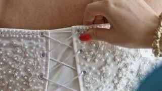 «Dos à la mode», à Paris: une exposition sur cette partie du corps qu'on contrôle le moins
