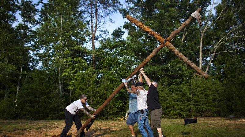 En août 2003, la Cour suprême avait validé les lois interdisant de brûler des croix dans un but d'intimidation, mais des incidents sont tout de même régulièrement rapportés. (Illustration)