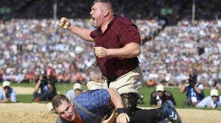 Zoug: Christian Stucki, un géant couronné roi de la lutte 2019