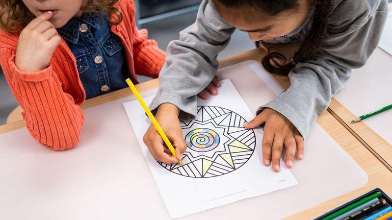 Eclairage: «Ecole et famille: de nouvelles voies à explorer»
