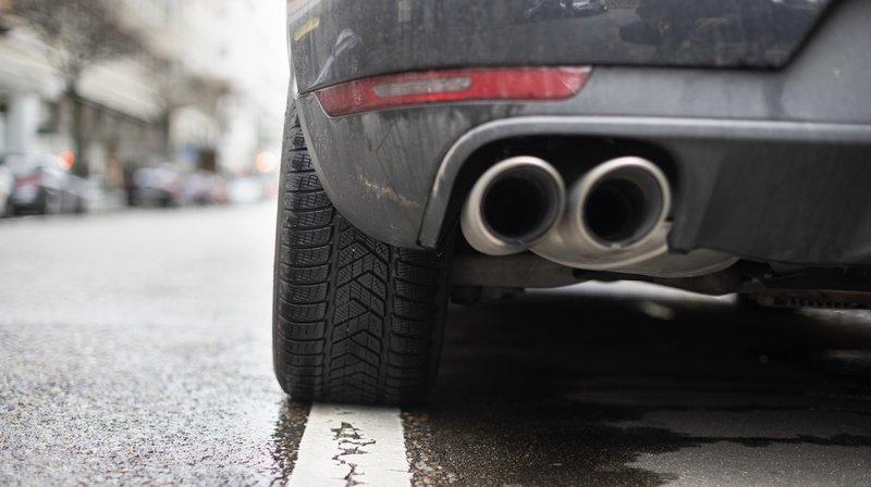 Des pots d'échappement modifiés peuvent accroître le bruit d'un véhicule.