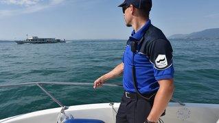 Un bateau chavire sur le lac de Neuchâtel