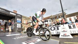 Cyclisme – Championnats du monde: Rohan Dennis conserve son titre du contre-la-montre