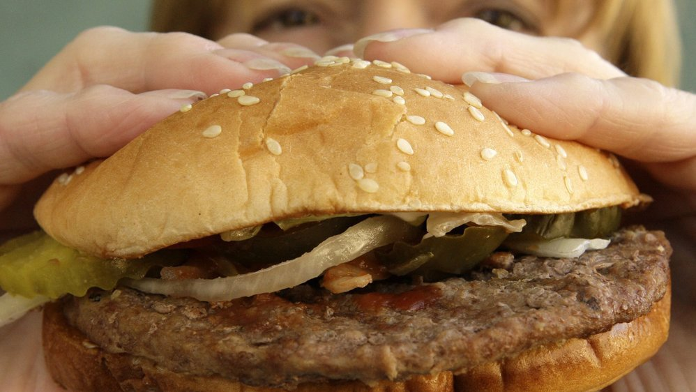 Moins de viande dans l'assiette: un défi local
