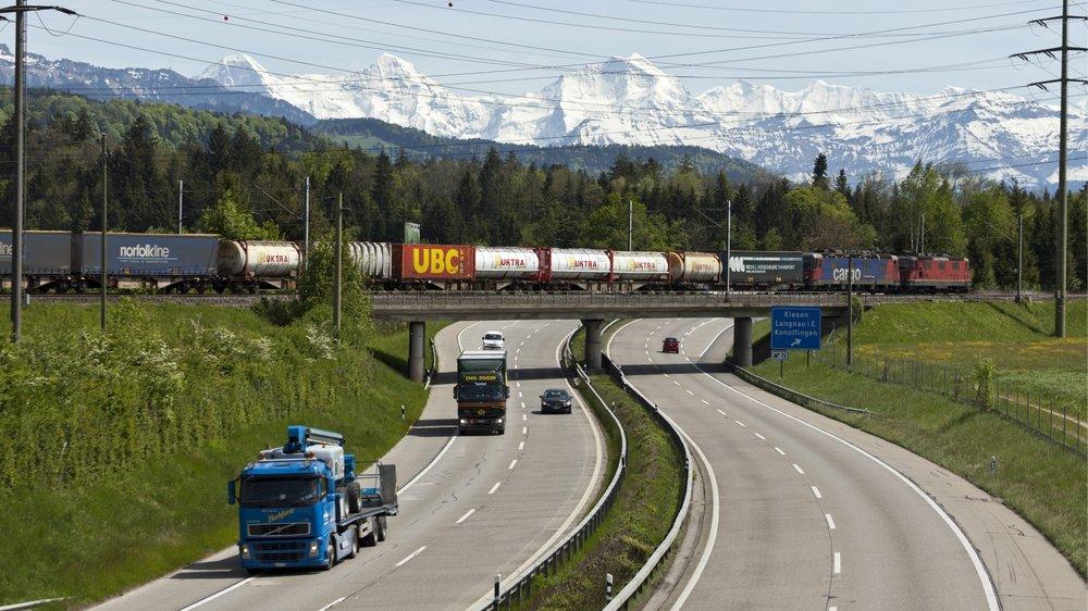 L'an dernier, 941000 camions ont traversé les Alpes.
