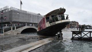 Grosses intempéries en Italie: près d'1 m 50 d'eau sur la place St-Marc à Venise