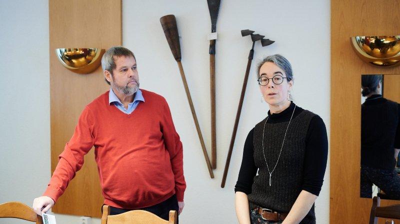 Thomas Zeller et Martine Steiger Burgos lors de la conférence de presse présentant la votation du 9 février prochain sur l'avenir des collèges d'Hauterive, ce mardi 14 janvier 2020.