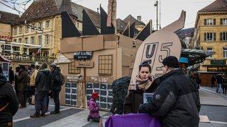 Neuchâtel: une usine en carton en guise de protestation pour les acteurs culturels de l'Usine 5