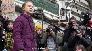 Grève du climat: des milliers de jeunes Suisses dans la rue à Lausanne avec Greta Thunberg