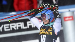 Ski alpin: Clara Direz remporte le géant parallèle de Sestrières, les Suissesses éliminées