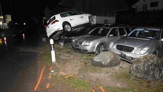 Un jeune conducteur démolit plusieurs véhicules